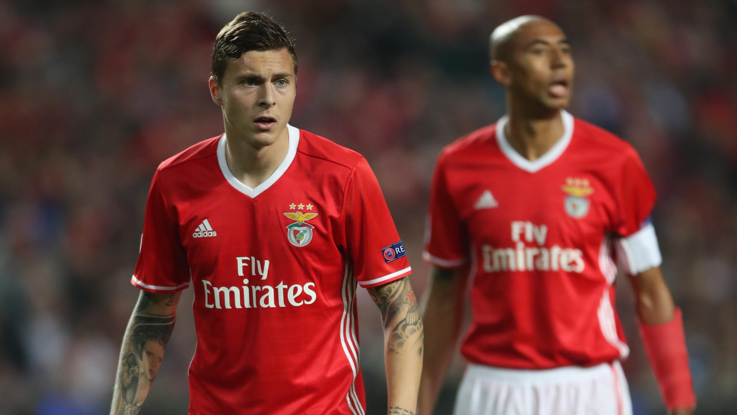 Manchester United agree deal to sign Benfica defender Victor Lindelof