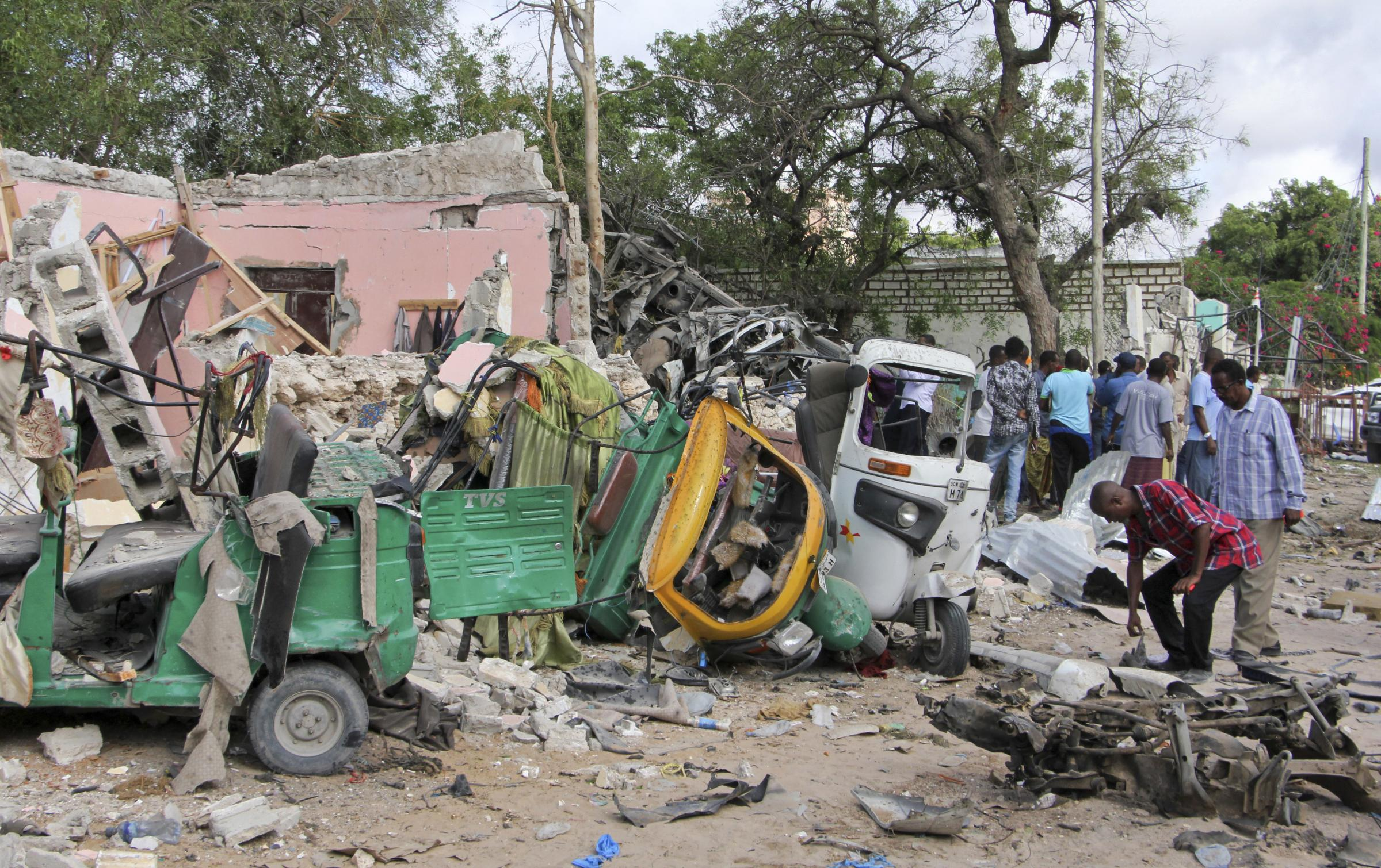 Death toll in Somalia restaurant siege up to 31